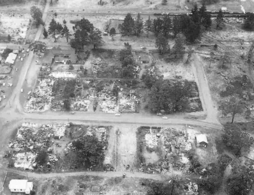 Bushfire, South West, WA, 1961, Dwellingup destroyed.
